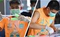 Không thi đấu, á quân Thai League... may khẩu trang tặng mọi người