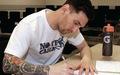 Dân mạng chế cảnh Messi viết thư chia tay 'mối tình đầu' sau trận Barca thảm bại 2-8