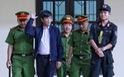 Diễn biến chính ngày đầu tiên xét xử hai cựu tướng công an