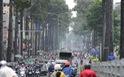 Vì sao sáng nay dân Sài Gòn cay mắt khi đi đường?