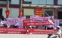 Cư dân The Park Residence giăng băngrôn phản đối chủ đầu tư