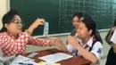Cô giáo toán lì xì học trò 'bá đạo' nhất: chụp hụt là thua