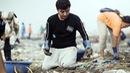 Chàng trai dọn 9.000 tấn rác trên bãi biển
