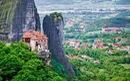 Độc đáo tu viện Meteora 'lơ lửng' trên núi tại Hy Lạp