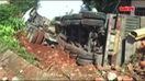 Xe container lao vào nhà dân, cả gia đình thoát chết