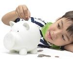 Trẻ lớp 1 đòi tiền tiêu vặt, có nên cho?