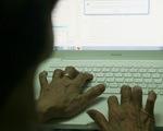 Người lớn tuổi sống trên mạng
