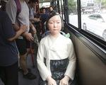 Tượng 'phụ nữ mua vui' đặt trên xe bus tại Hàn Quốc
