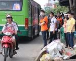Sài Gòn rác bủa vây khắp nơi