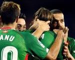 Alaves qua mặt Barcelona và Real Madrid, tạm dẫn đầu La Liga