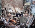 Sập nhà trên phố cổ Hà Nội, cụ bà 82 tuổi thoát chết trong gang tấc