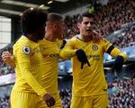 Chelsea lên nhì bảng, Arsenal đứt mạch chiến thắng