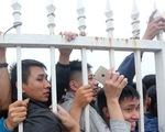 Chen chúc mua vé trực tiếp trận Việt Nam - Malaysia