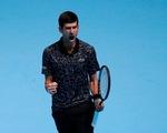 Djokovic thắng dễ Isner ở trận ra quân ATP Final 2018