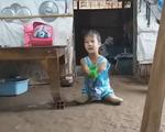 Nghị lực của cô bé không tay, không chân