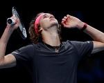 Zverev bị CĐV la ó trong chiến thắng trước Federer