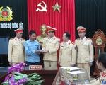 Cảnh sát giao thông Thanh Hóa trả lại 30 triệu cho người đánh rơi