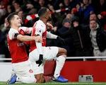 Arsenal và Liverpool chia điểm kịch tính trên sân Emirates