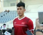 Trung vệ Đình Trọng hơi chút áp lực khi lần đầu tiên đá AFF Cup