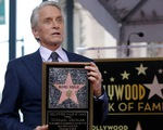 Michael Douglas nhận sao trên Đại lộ Danh vọng sau 50 năm