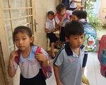 Đề nghị khiển trách cô giáo phạt học sinh tự tát vào mặt