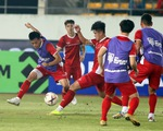 Tuyển VN đá đội hình mạnh nhất với Lào