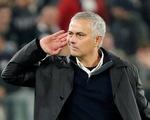 Cầu thủ Juventus điên tiết vì màn ăn mừng khiêu khích của HLV Mourinho