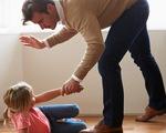 Pháp thông qua luật cấm cha mẹ dạy con bằng 'đét đít'