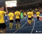 Tuyển Malaysia mừng như vô địch sau trận hòa 2-2 trước Việt Nam