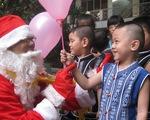 Có nên gieo vào đầu trẻ niềm tin về ông già Noel?