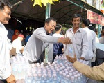 Nhiều quầy cơm nước miễn phí tại lễ hội Gò Tháp