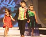 Chọn váy xinh diện Tết cho bé từ Tuần lễ thời trang trẻ em châu Á