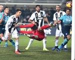 Ronaldo cứu Juventus thoát thua tại vòng 18 Serie A