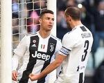Ronaldo lập cú đúp, Juventus vững vàng đỉnh bảng