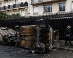 Biểu tình bạo loạn ở Pháp: 378 người bị tạm giữ, trong đó có 33 trẻ vị thành niên
