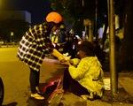 Những bát cháo tình người trên đường phố 2h sáng