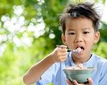 Trẻ suy dinh dưỡng, thấp còi - câu chuyện dài