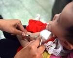 Hết văcxin 5 trong 1, Bộ Y tế lại hẹn tháng 12