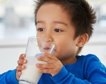 Tại sao cơ thể bị phản ứng sau khi uống sữa?