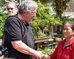 Cựu binh Mỹ và cây vĩ cầm gắn bó với phụ nữ nghèo Quảng Ngãi