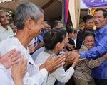 Thủ tướng Campuchia hứa thưởng cho tất cả công chức