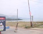 Tháo dỡ hàng rào dự án resort bịt lối xuống biển Đà Nẵng