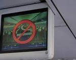 Phạt nữ sinh Lâm Đồng hút thuốc trên máy bay 2 triệu đồng
