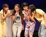Hồng Vân truyền dạy cho nghệ sĩ trẻ học cách