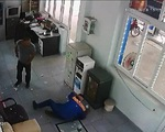 Nhân viên cây xăng nghe nhầm, bơm thiếu 20.000 đồng bị đánh dã man