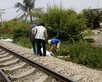 Cố vượt đường sắt không rào chắn, hai người bị tàu tông chết