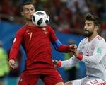 Pique: 'Ronaldo rất thích vờ té ngã'