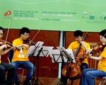 Nhóm nhạc Nhật chơi Diễm xưa cho bệnh nhân ung thư Đà Nẵng
