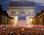 Pháp thắng Bỉ: Kinh đô ánh sáng rực rỡ vì những chú gà trống Gô-loa