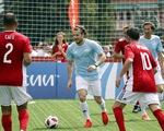 Bóng đá vui nhộn giữa trái tim nước Nga